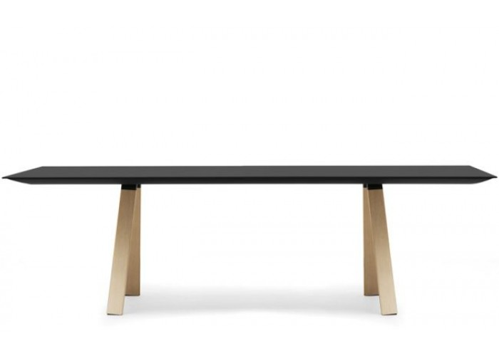Malouet design pedrali arki table wood for Table design 4 pieds